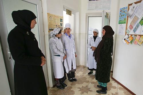 Медицинский персонал в Центре репродуктивного здоровья Рашта. ©ЮНФПА Таджикистан / Нозим Каландаров