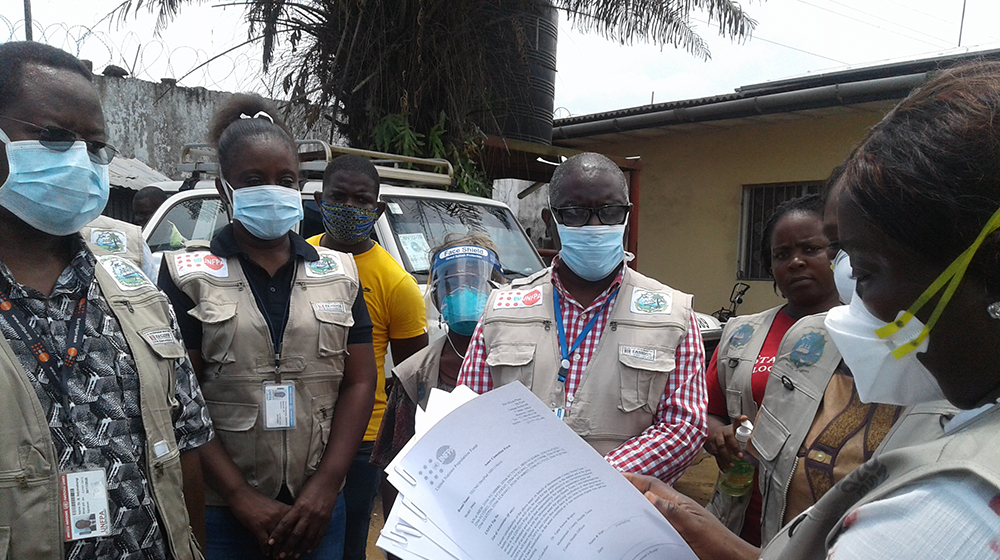 Contact tracers are urgently being recruited, trained and deployed to address the COVID-19 pandemic. Many of the challenges they face are similar to those in the earlier Ebola epidemic, including mistrust and misinformation. © UNFPA Liberia/Calixte S. Hessou