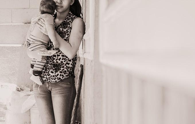 En general, las complicaciones relacionadas con el embarazo son la principal causa de muerte entre las niñas de entre 15 y 19 años. Fotografía de Lucy Tomasino