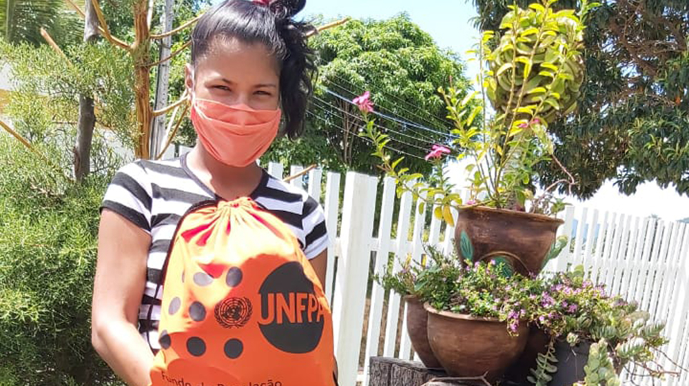 Horihanny Del Valle, a pregnant migrant from Venezuela, has learned how to protect herself from COVID-19. © UNFPA Brazil