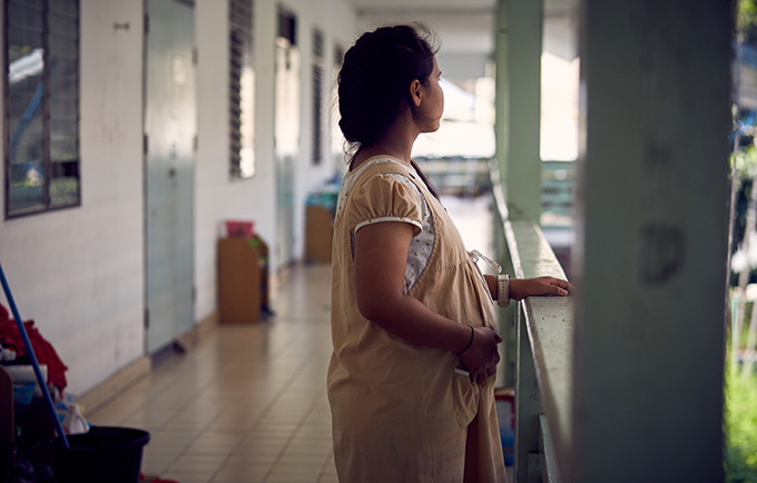 Fern* is living in an emergency home, a shelter offering crisis care and maternal care for teen mothers. © UNFPA/Ruth Carr
