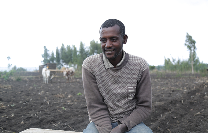 Sileshi Deguale recounts his story, explaining why family planning was the right choice for himself and his wife. © UNFPA Ethiopia