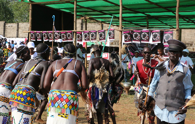 Traditional dancers entertain participants at the record-breaking HIV counselling and testing event in Gambella, Ethiopia. © UNFPA Ethiopia