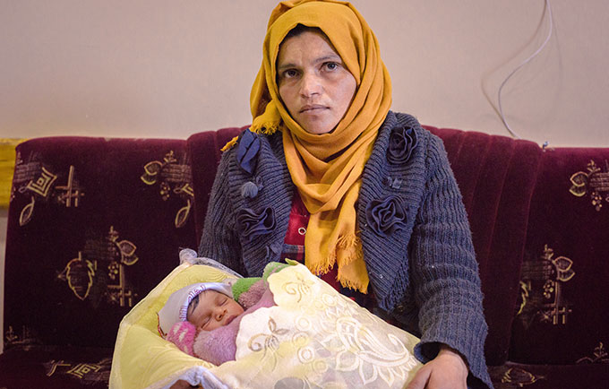 Eman, from West Mosul, needed a Caesarean section for her fifth child. © UNFPA Iraq/Jared Kohler