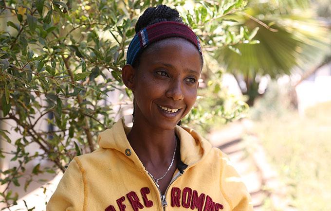El camino por delante no será fácil, afirma Tadelech Ermias, quien con valentía se negó a someterse a la mutilación genital femenina. © UNFPA Ethiopia/Abraham Gelaw