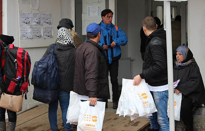 Dignity kits are distributed to refugees and migrants passing through Presevo, Serbia. Women and girls face increased risks of violence and barriers to reproductive health care. © UNFPA