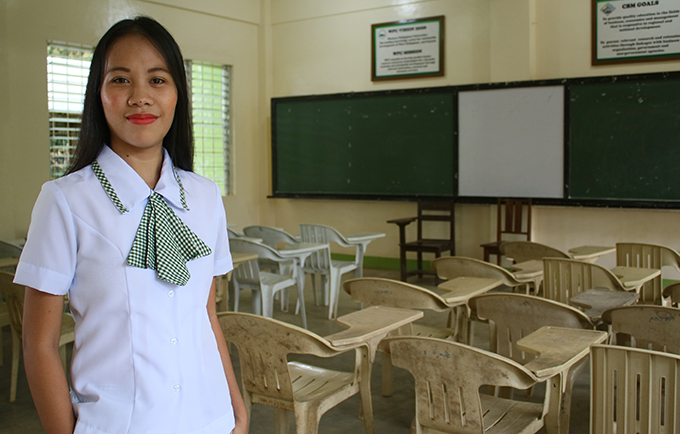 Shaina, 16, spoke out about the challenges facing girls at the launch of a campaign to address adolescent pregnancy. © UNFPA Philippines