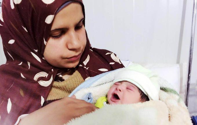 Pour parvenir à zéro décès maternel évitable dans 76 pays fortement touchés, les dépenses annuelles devraient atteindre 7,8 milliards de dollars d'ici 2030. © UNFPA Jordan