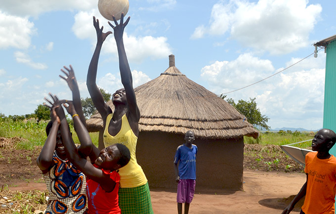 South Sudanese refugee girls play ball in the Ayilo Refugee Settlement of northern Uganda. © UNFPA/Eveyln Kiapi