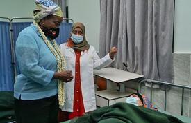 Dr. Natalia Kanem visits patient in Yemen